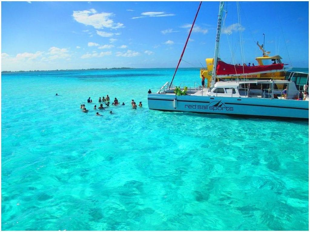 Bons moments de détente, à la rencontre des Caraïbes en bateau