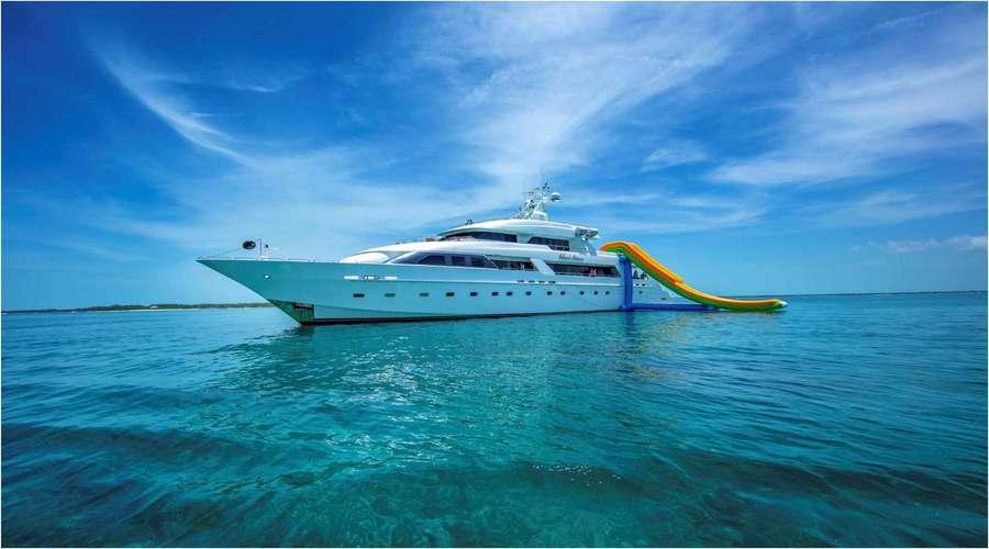 location bateau de luxe aux Caraïbes