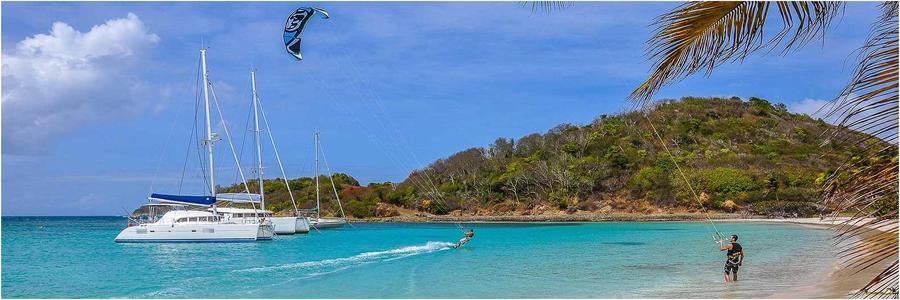 Voyage en location catamaran aux Antilles