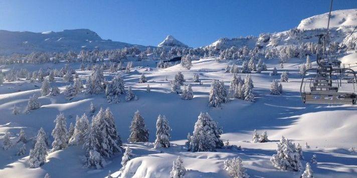 Les Pyrénées en neige